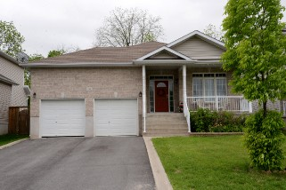 329 grandtrunk ave east, Kingston Ontario, Canada